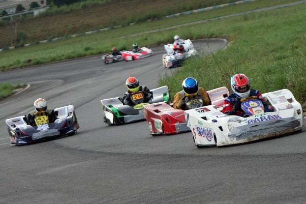 Foto: Divulgação - Jerry Alexandre (5) venceu a segunda corrida na categoria F-400.