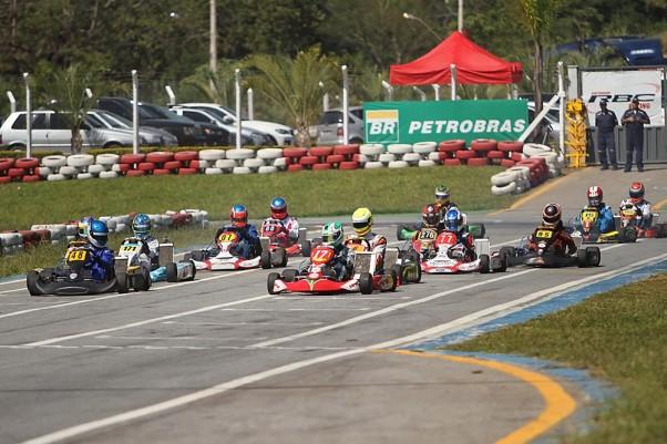 Foto: Flávio Quick - Os 14 pilotos da categoria Sprinter representarem as maiores baterias do sábado.