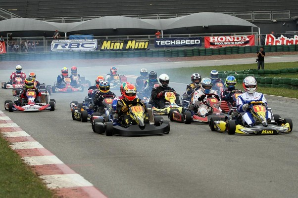 Foto: Flávio Quick - A Super Sênior teve as corridas mais emocionantes desta rodada.