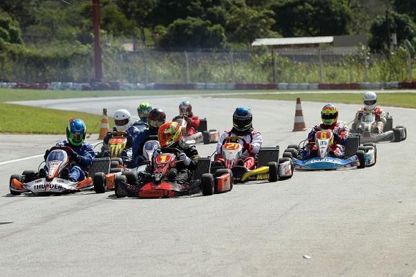 Foto: Flávio Quick - A classe Super Master promete, mais uma vez, corridas bastante agitadas.