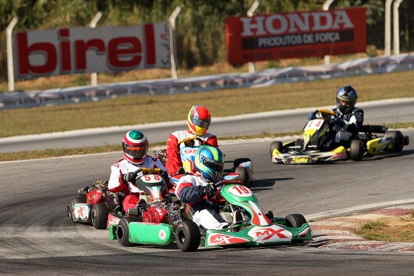 Foto: Flávio Quick - A categoria F-400 tem disputas muito acirradas.