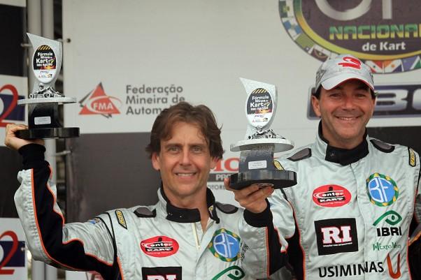 Foto: Flávio Quick - Bruno Fusaro (d) e Fernando Buzollo (e) fizeram a festa no pódio da Super Master