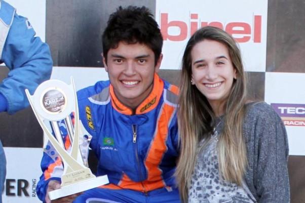 Foto: Flávio Quick - Júlio e a namorada Júlia.