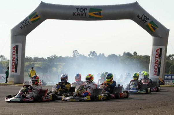 A Master, com 39 pilotos, é a grande sensação desta etapa do TOP KART Brasil.