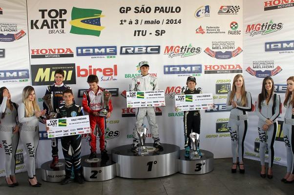 Foto: Flávio Quick - No pódio da Júnior todos tinham motores RBC.